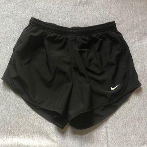 Girls black Nike tempo shorts